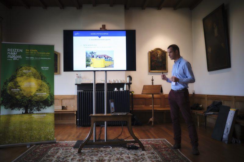 Mobiliteit, duurzaamheid en toerisme. Het zijn domeinen die sterk met elkaar verbonden zijn en waar we vandaag de dag niet meer omheen kunnen. Tijdens de Reizen naar Morgen-summit op 12 en 13 september in Brugge vond er dan ook een workshop plaats rond deze topics.